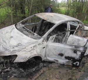 Шок! Под Смоленском бывший заключённый сжёг молодого таксиста в его машине