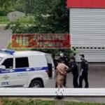 Под Смоленском правоохранители задержали голого  мужчину