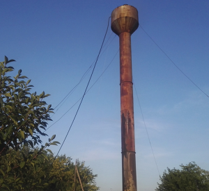 В Смоленской области две водонапорные башни не выдержали испытания грозой