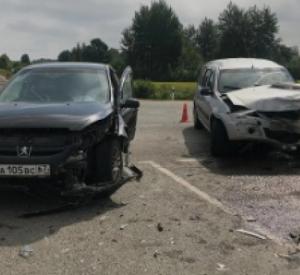 В Смоленске на окружной дороге автоледи пострадала в ДТП