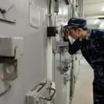 В Смоленской области надзирателю ИК зачитали приговор за взятку
