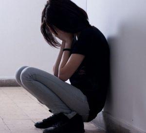 В Смоленской области несовершеннолетняя покончила жизнь самоубийством