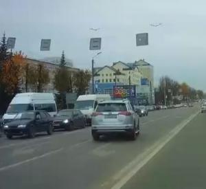 Видео: Правоохранительные органы начали проверку по факту грубейшего нарушения ПДД в Смоленске