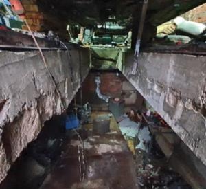 Смоленский автомобилист чудом выбрался живым из горящей смотровой ямы
