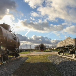 Возле смоленского паровоза-памятника установили еще два объекта (фото)