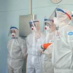 Смоленские медики, работающие с коронавирусом, получат новые выплаты