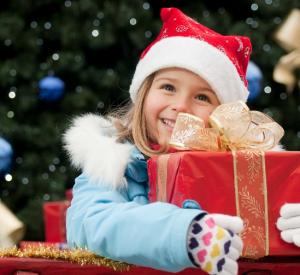 На Смоленщине работает «горячая линия» по качеству детских новогодних подарков