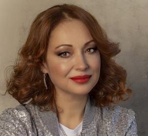 После инцидента под Смоленском актрисе Виктории Тарасовой потребовалась еще одна операция