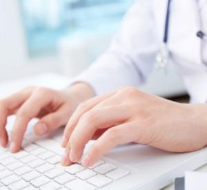 Жители Смоленщины могут вызвать врача домой через портал госуслуг