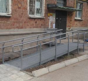 Под Смоленском в жилом доме пандус установили только после жалобы в прокуратуру