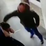 Видео: В питерском кафе смолянин набросился с кулаками на официантку