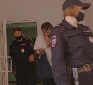 """""""Юбилейному строителю"""", прикарманившему более 90 миллионов рублей, придется заплатить"""
