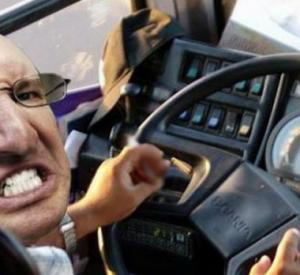 Поведение водителя маршрутки №44 в Смоленске осудили пользователи