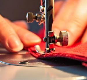 Жительница Смоленщины собрала деньги на пошив детских костюмов и потратила их на себя