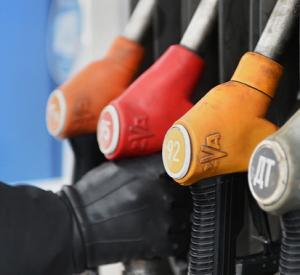 На Смоленщине быстрыми темпами растет в цене топливо