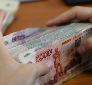 Смолянка, заведующая магазином, присвоила деньги из выручки