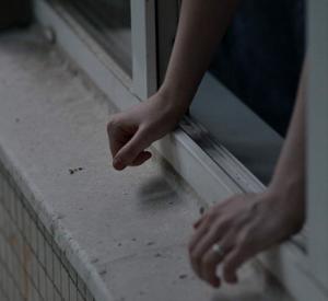 Из окна школы под Смоленском выпала девочка