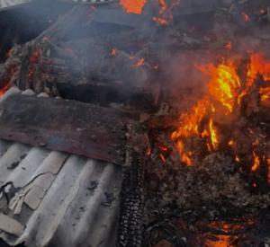 Под Смоленском сгорели сразу три мотоцикла