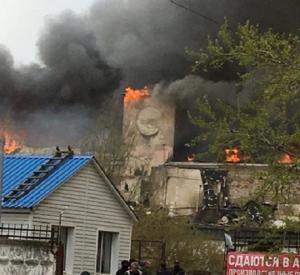 В Сети появились фото и видео страшного пожара на бывшем мясокомбинате в Смоленске