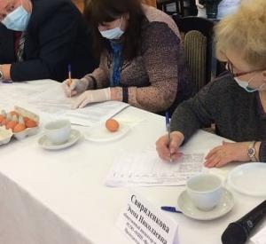 Смоленские эксперты проверили качество яиц (фото)