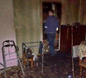 Появились фотографии сгоревшей квартиры в Смоленске