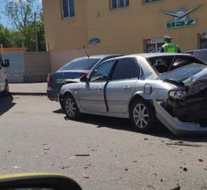 В Смоленске на улице Крупской вновь произошло жесткое массовое ДТП