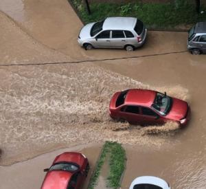 Жители Смоленска продолжают выкладывать фото последствия потопа