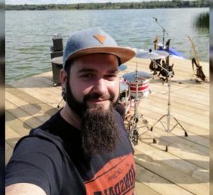 Смоленский барабанщик потерял ногу в результате жесткой аварии