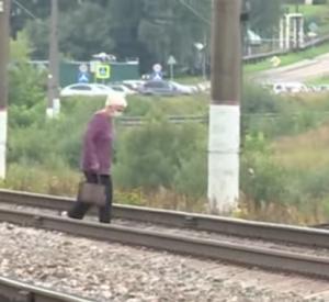 Смоляне просят построить мост через ж/д пути в Катыни (видео)