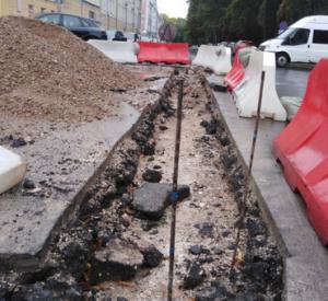 В Смоленске на Коммунистической сняли свежеуложенный асфальт (фото)