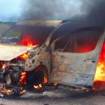 В сети опубликовали фото с места автопожара под Смоленском