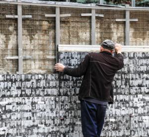 В Смоленске завершаются работы по созданию панно памяти