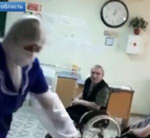 Смоленских волонтеров, помогающих больным коронавирусом, показали по Первому каналу (видео)