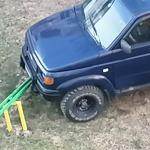 В Смоленской области автомобилист припарковал своего железного коня на качелях