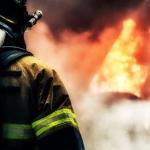 Смолянин, пытаясь потушить пожар, получил многочисленные ожоги