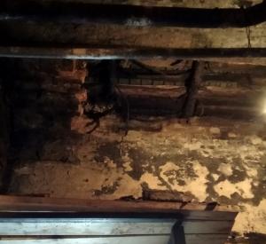 В бане под Смоленском рухнула часть потолка