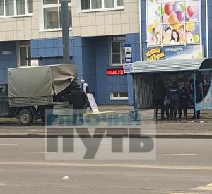 В Смоленске на остановке нашли труп 73-летнего мужчины. Проводится проверка