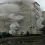 Спасатели эвакуировали человека из горящего дома