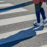 Молодая девушка попала под колеса отечественного автомобиля