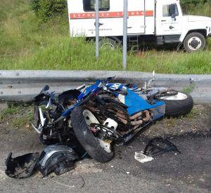 Фото: В Ярцевском районе в ДТП пострадал мотоциклист