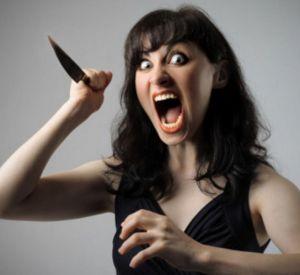 Молодая девушка зарезала возлюбленного ножом