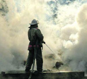 В Гагарине сгорел жилой дом