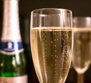 Эксперты рассказали о результатах проверки российского шампанского