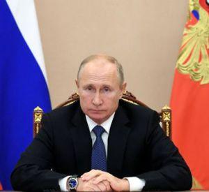 Президент Владимир Путин анонсировал скорое снятие ограничений по коронавирусу