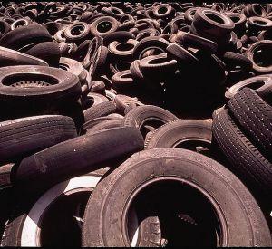 Смоляне могут сдать на переработку старые шины
