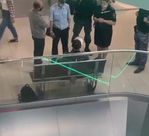 Полиция задержала парня с ножом в одном из смоленских ТРЦ