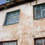 В Смоленске семью переселили из аварийного жилья только после решения суда