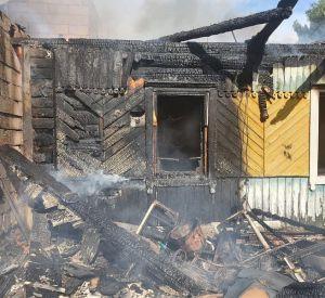 Под Смоленском подросток и спас троих детей из объятого огнем дома