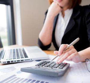 В Смоленске бухгалтер отомстила работодателю за свое увольнение