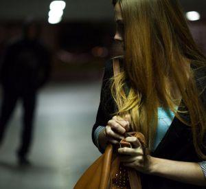 Под Смоленском неизвестный мужчина преследовал молодых девушек